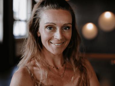 yoga-coaching-karlsruhe-yvonne-komprimiert